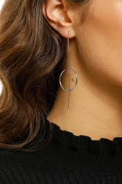 jolie-and-deen-aggy-earring-silver-product-Model