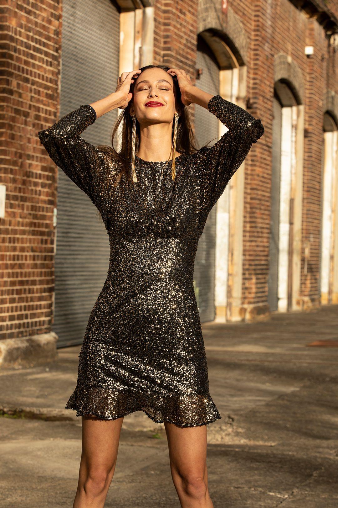 misha-brielle-mini-dress-metallic-campaign