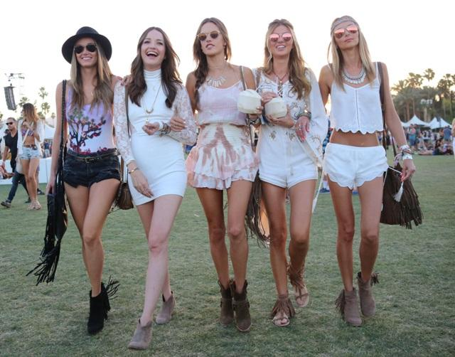 girls weekend style - festival dressing