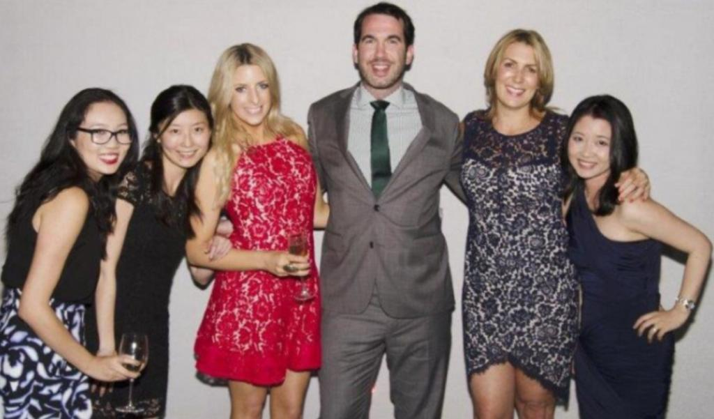 Team_at_work_Christmas_party