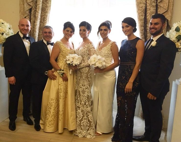 picture with bride and family (1)